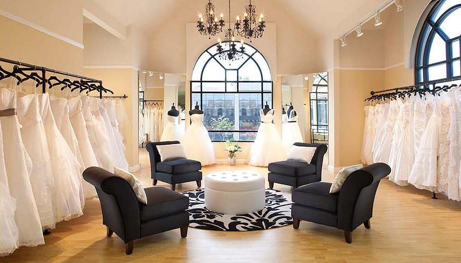 Della Curva plus size bridal salon