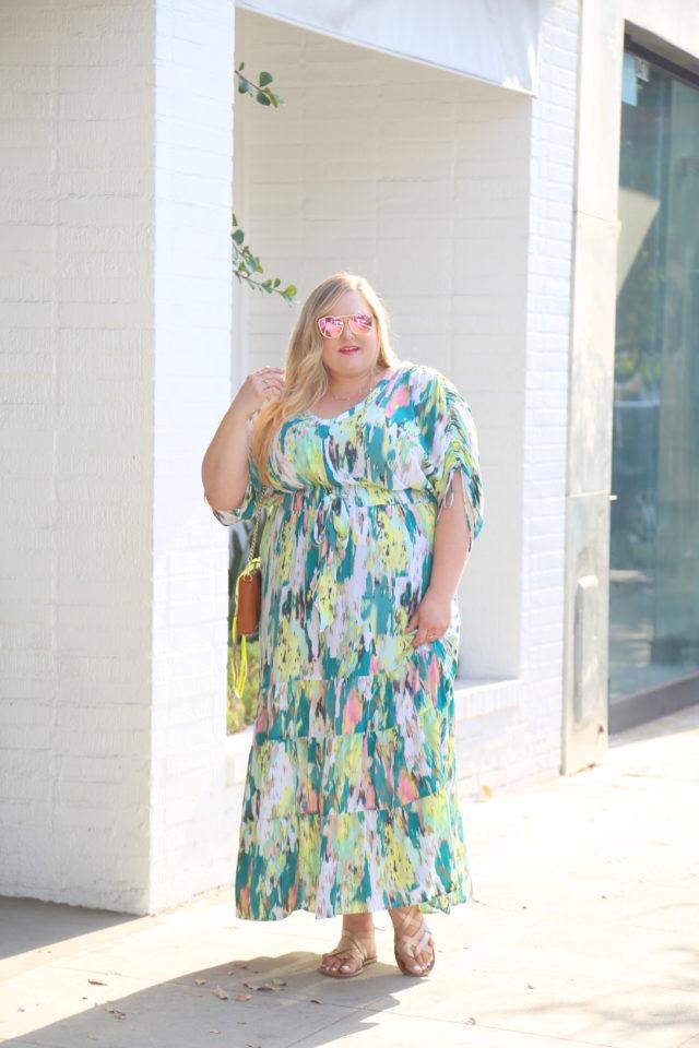 Plus fashion expert Reah Norman wearing Melissa McCarthy Seven 7 from Gwynnie Bee | www.styledbyreah.com